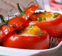 Jajka zapiekane w pomidorach: łatwy przepis