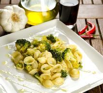 Muszle żytnie z brokułami i sosem holenderskim