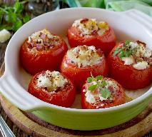 Pomidory nadziewane z bekonem i serem feta