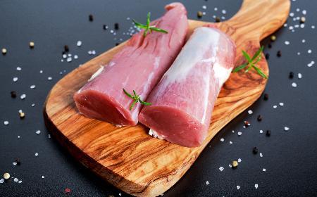 Polędwica wieprzowa w sosie porzeczkowym - łatwy przepis na wykwintne danie