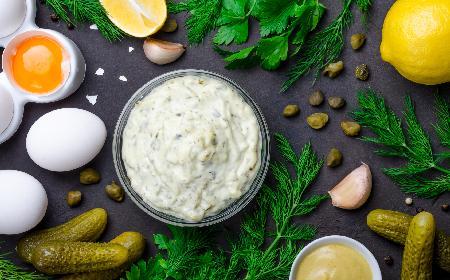 Sos tatarski - idealny dodatek do mięs, wędlin, ryb i jajek