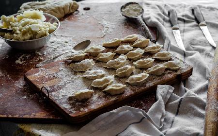 Syberyjskie pielmieni - przepis na danie z kuchni rosyjskiej