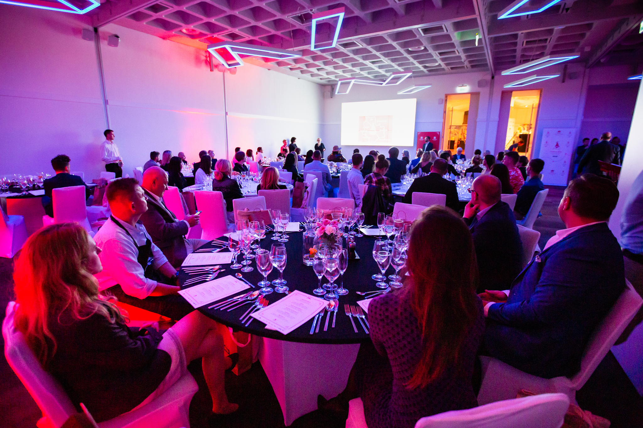 Inauguracyjną kolację zaszczycili przedstawiciele warszawskiej gastronomii, Urzędu Miasta oraz dziennikarze
