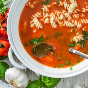 Zupa pomidorowa: 6 błędów najczęściej popełnianych podczas gotowania