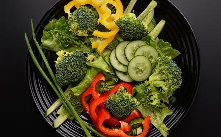 Prosta surówka z brokułów - samo zdrowie na talerzu!