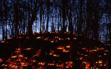Piknik na mogile: dawne polskie obyczaje kulinarne związane ze Świętem Zmarłych