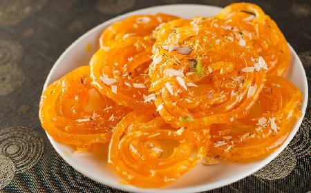 Smażone ciastka indyjskie: JALEBI - chrupiące i słodziutkie
