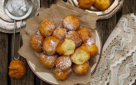Włoskie pączki cytrynowe: mięciutkie i puszyste