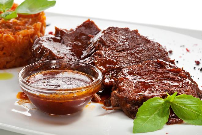 Demi-glace - wykwintny sos na bazie wołowiny i sherry
