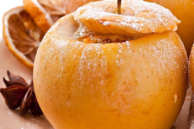 Jabłka pieczone z imbirem i miodem