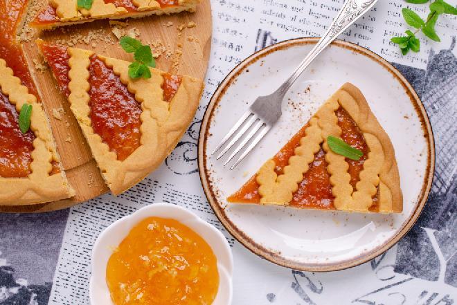 Kruche ciasto gotowane - sprytny sposób na przygotowanie pysznego, kruchego spodu do ciasta