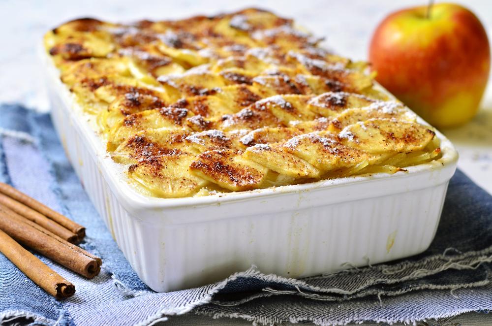 Makaron zapiekany z jabłkiem i winem