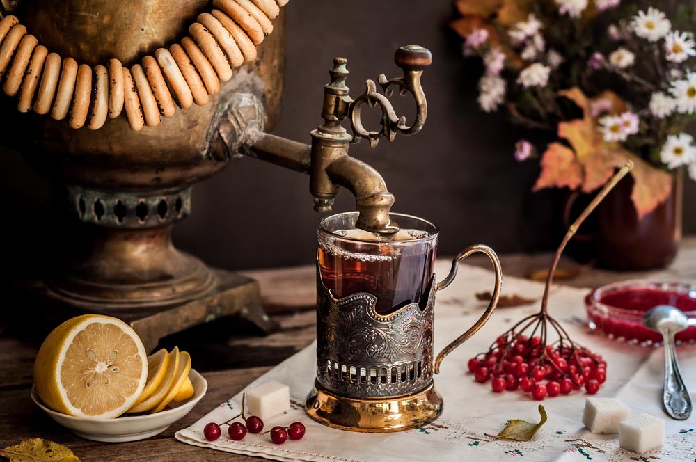 Herbata po rosyjsku - zawsze z cytryną i miodem